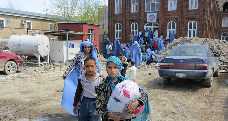 Aid distribution at Aschiana Clinic in Afghanistan