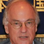 Portrait photo of Donald Kirk