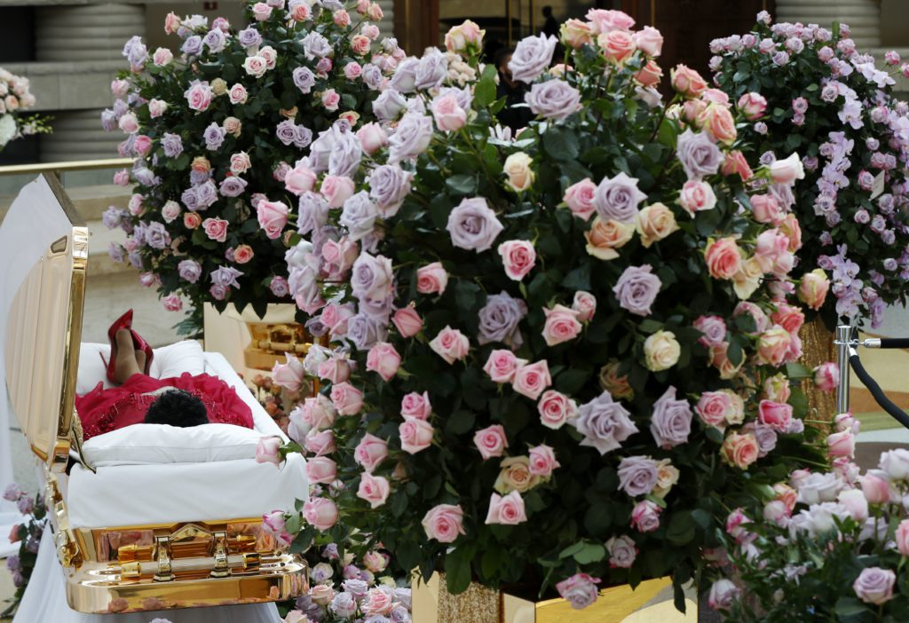 Photo of Aretha Franklin lying in her casket during visitation