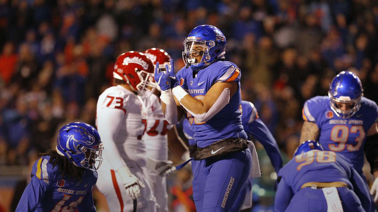 Photo of Boise State's Curtis Weaver