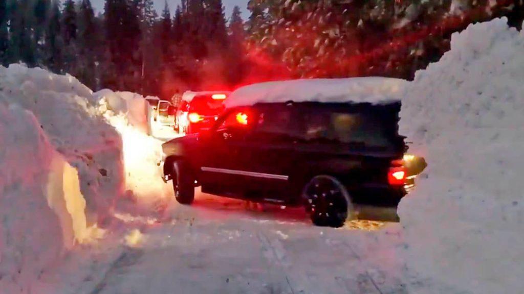 Car stuck in the snow at Montecito Sequoia Lodge