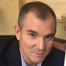 Portrait of Frank Bruni