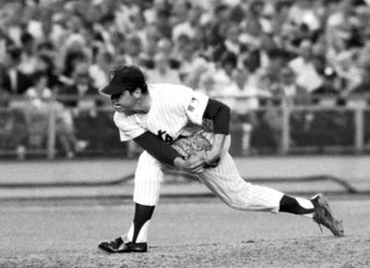 Picture of Tom Seaver pitching
