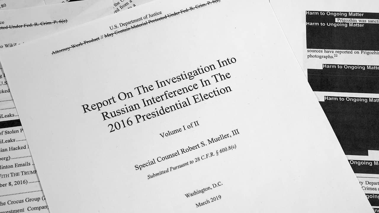 Photo of Robert Mueller's report