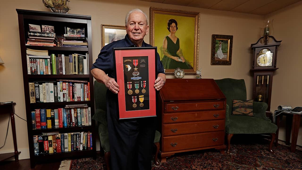 Photo of D-Day veteran Eugene Deibler