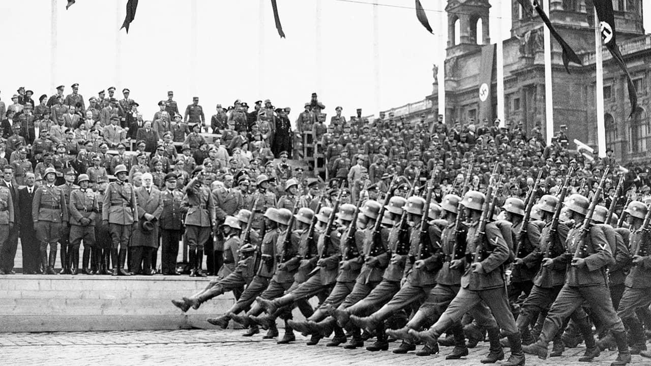 Photo of German troops reaching Vienna in 1938