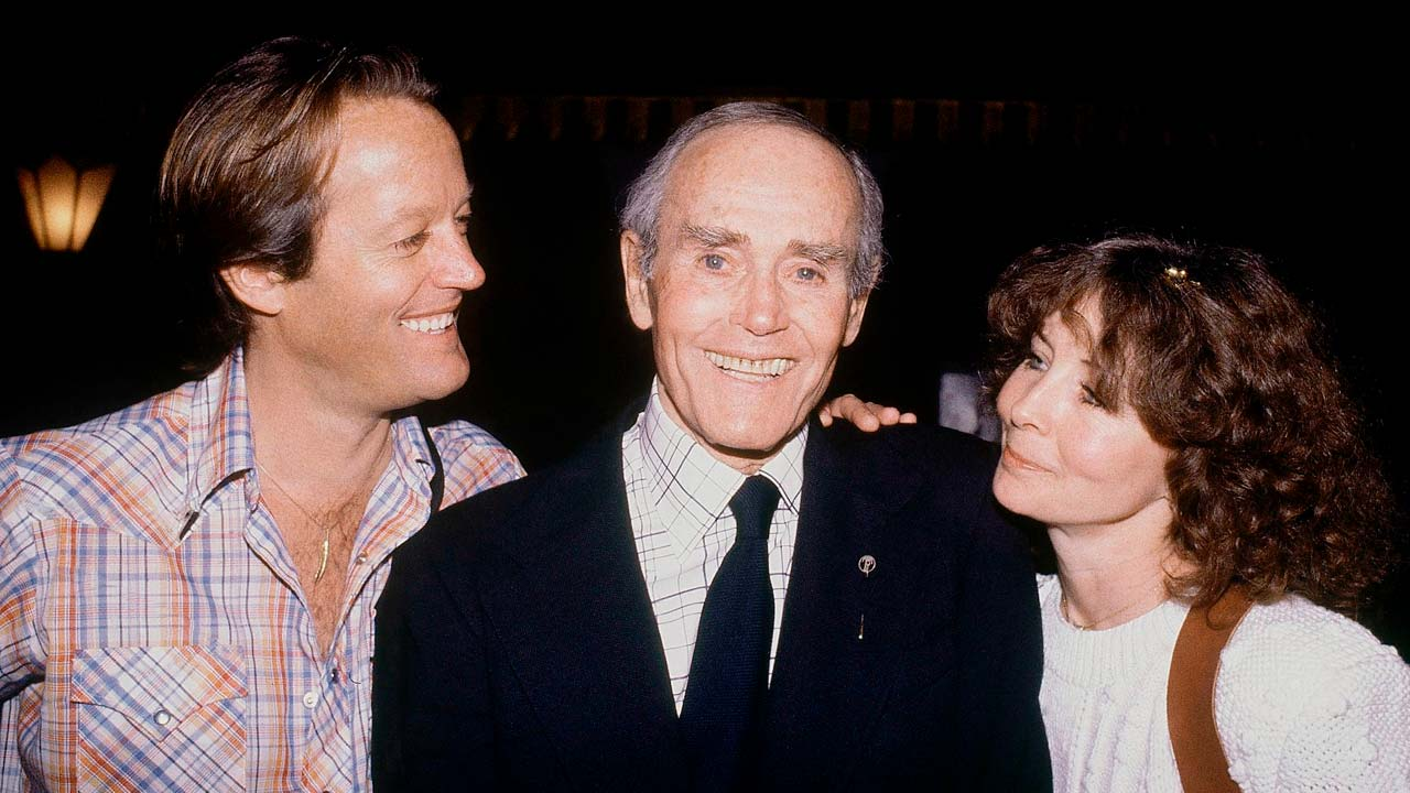 Photo of Peter Fonda with his father, Henry, and his mother, Shirlee,