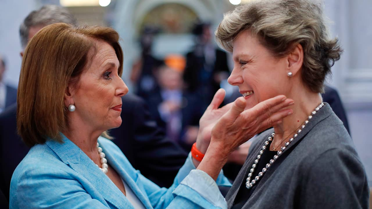 Photo of Nancy Pelosi and Cokie Roberts in 2016