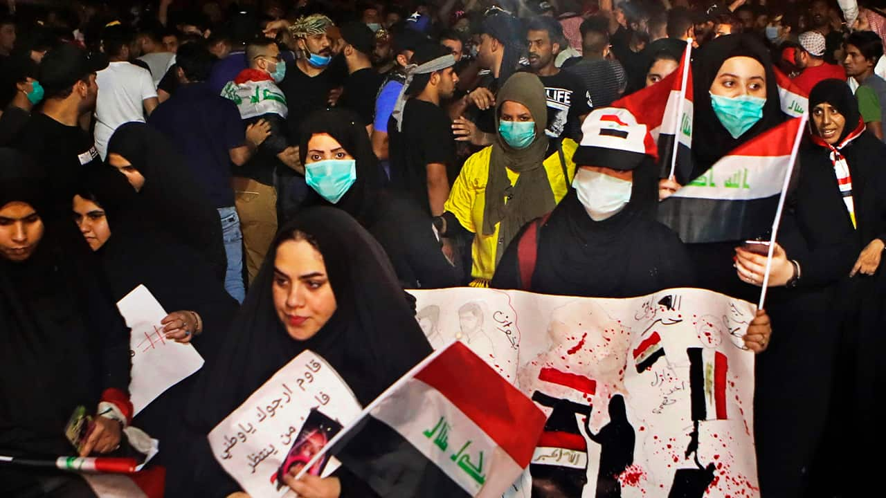 Photo of anti-government protesters gather near Basra