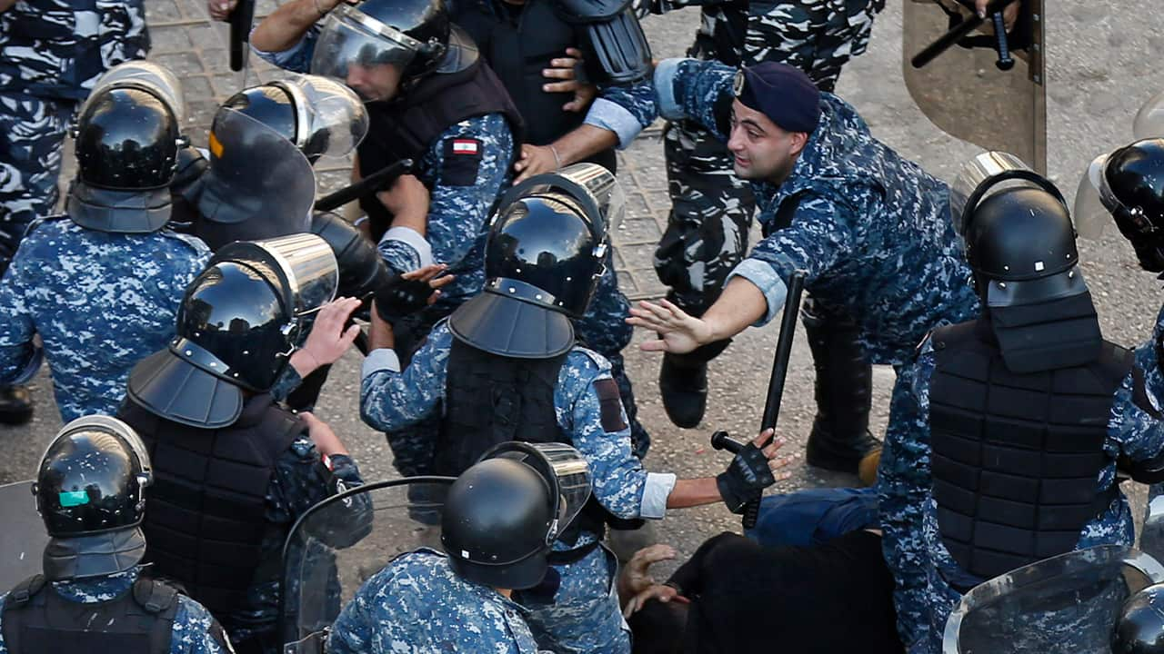 Photo of riot police officers