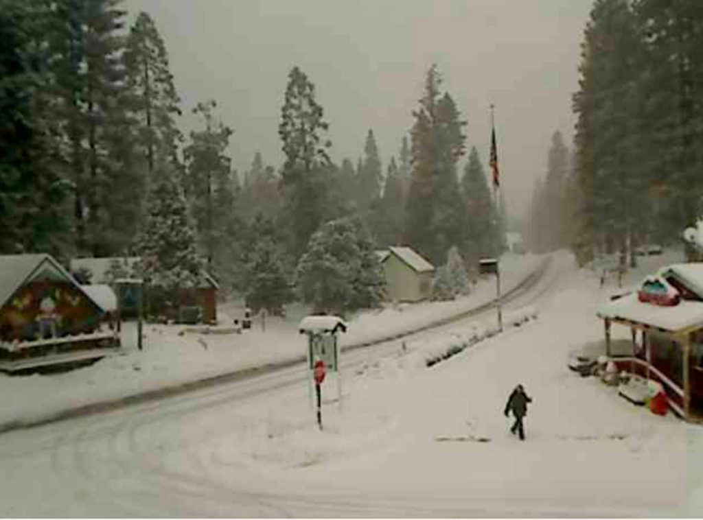 Photo of Shaver Lake as recorded by the Shaver Gas webcam