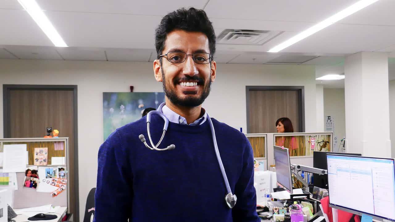 Photo of Dr. Moazzum Bajwa