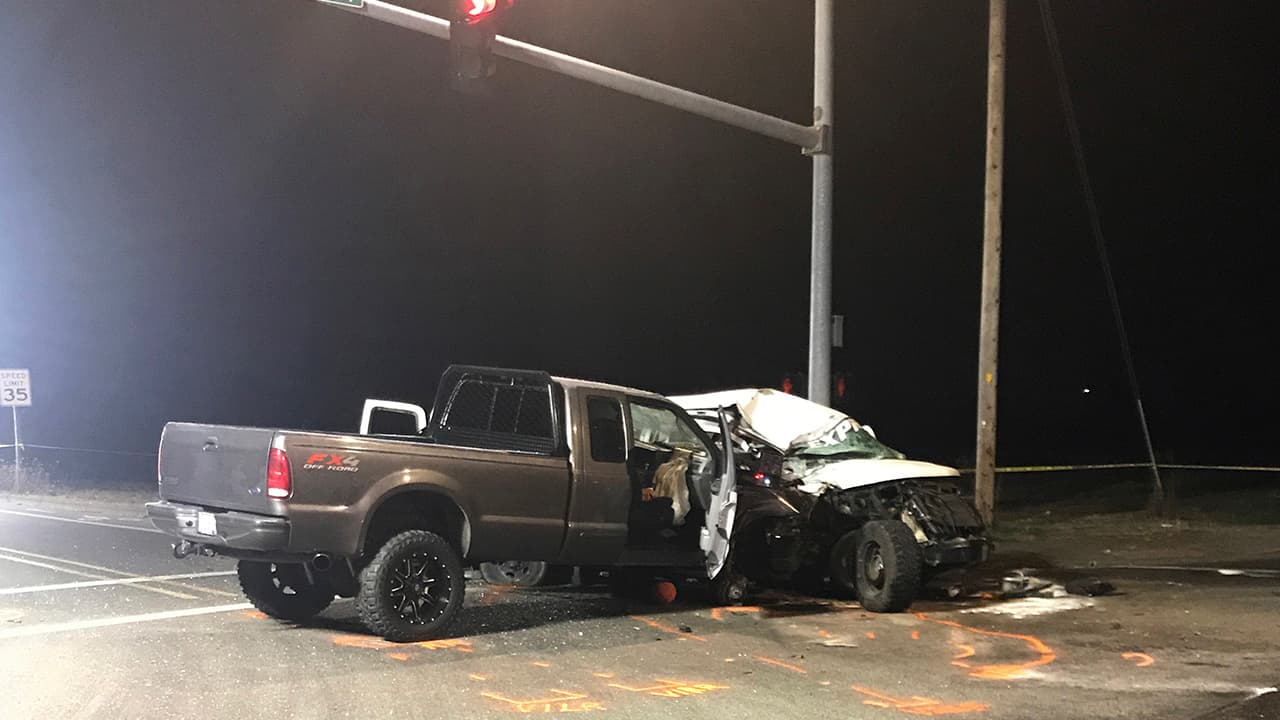 Photo of the scene of a deadly van crash in Salem, Ore.