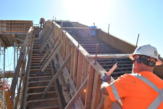 Photo of the San Joaquin River viaduct being built for high-speed rail