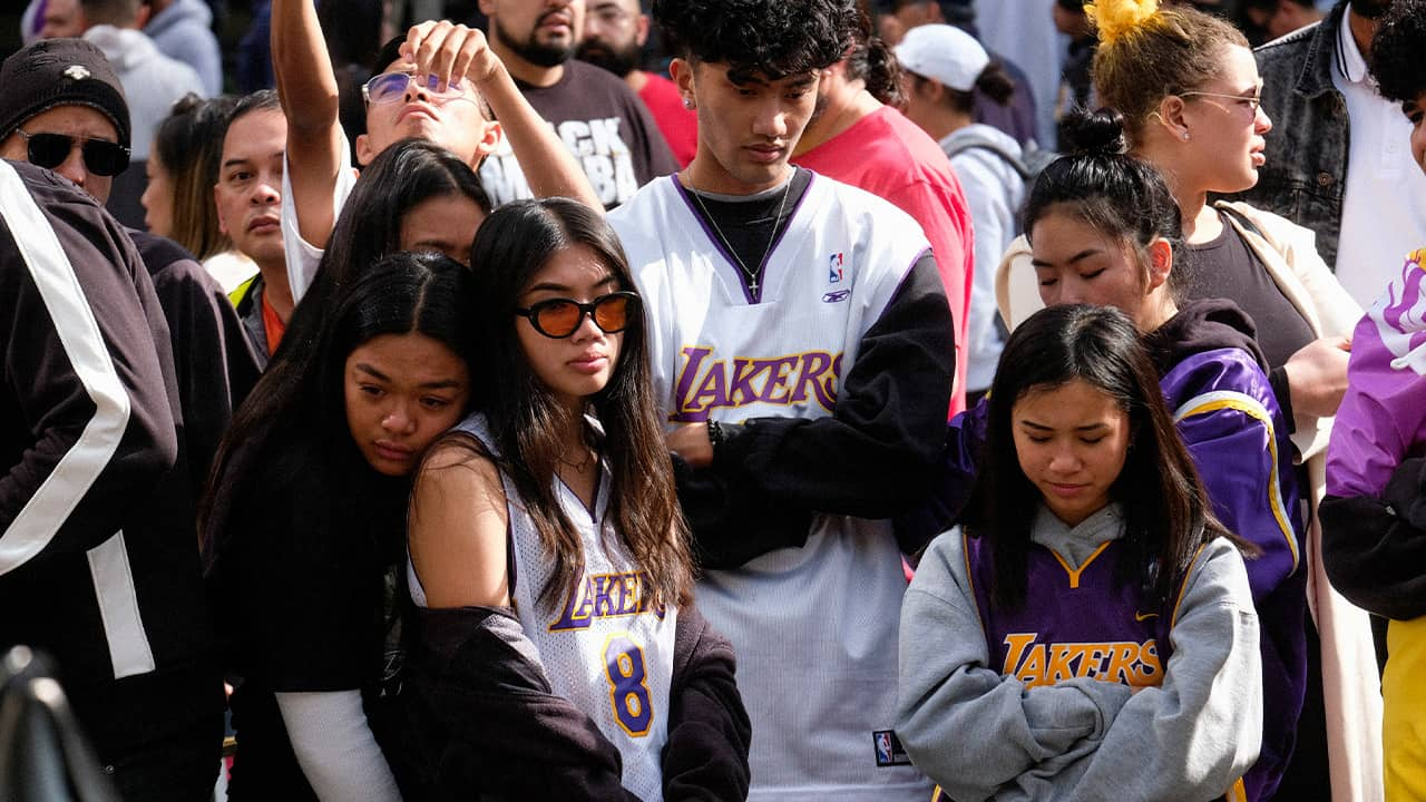Photo of fans mourning Kobe Bryant at the Staples Center in Los Angeles