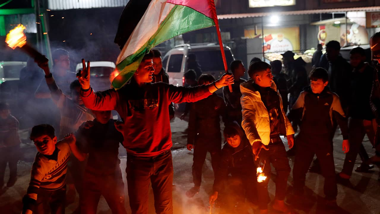 Photo of protesters in Palestine