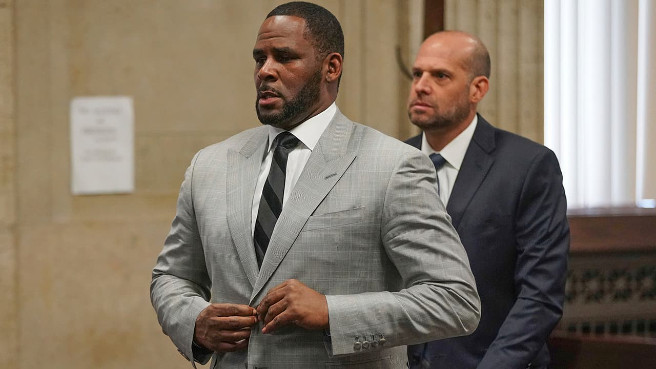 Photo of R. Kelly in court